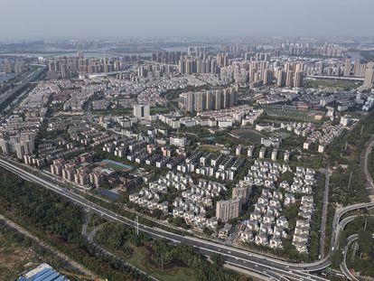 Vista aérea de um complexo residencial da Evergrande em Wuhan (China), nesta sexta-feira.