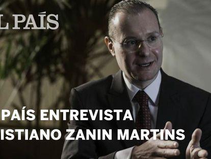 """Cristiano Zanin: """"Os procuradores de Curitiba não podem ser proprietários de dados que pertencem ao Estado"""""""