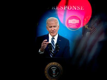O presidente Joe Biden ao final de uma entrevista coletiva na Casa Branca. Em vídeo, análise dos 100 dias de mandato de Biden.