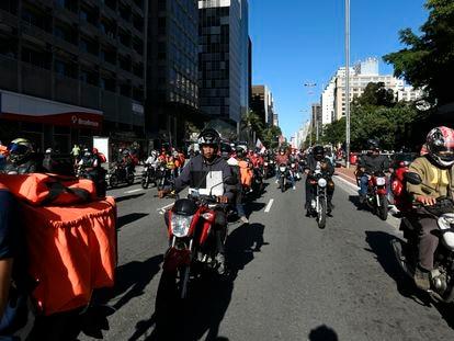 Motociclistas fazem protesto na Av. Paulista durante a paralisação dos entregadores de aplicativos, em 1º de julho de 2020.