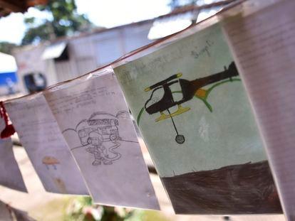 Centenas de cartas de crianças foram entregues aos bombeiros que trabalham na operação de busca em Brumadinho.
