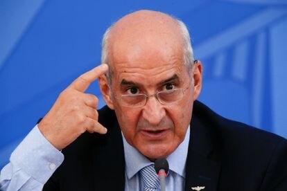 Luiz Eduardo Ramos, ministro da Casa Civil, se pronunciou para dizer que a Copa América no Brasil ainda não está confirmada.