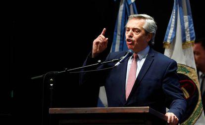 O presidente eleito da Argentina, Alberto Fernández, fala nesta terça-feira durante um ato na província de Tucumán (norte).
