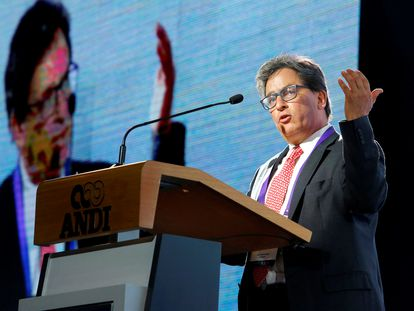 O ministro da Fazenda da Colômbia, Alberto Carrasquilla, durante um congresso de empresários em agosto passado, em Medellín.