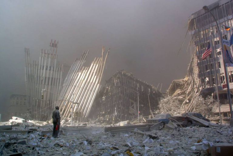 Escombros do World Trade Center em 11 de Setembro de 2001.