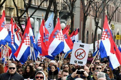 Manifestação contra a ratificação do Convênio de Istambul em Zagreb, o passado março.