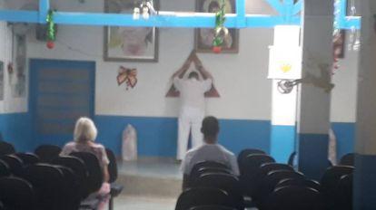 Seguidores de João de Deus na casa Dom Inácio.