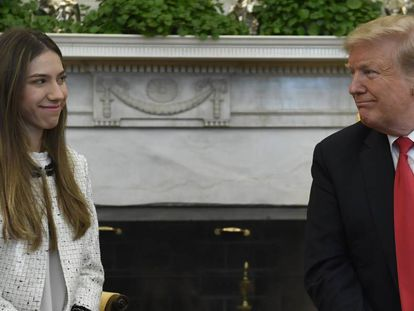 Donald Trump com Fabiana Rosales, nesta quarta-feira na Casa Branca.