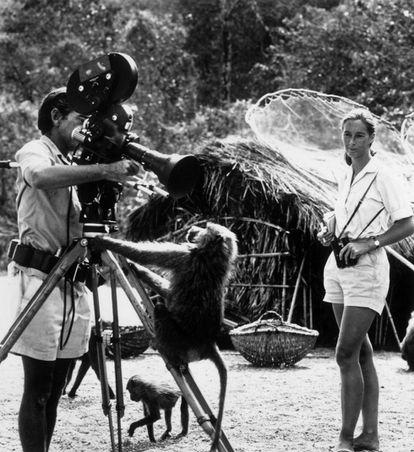 Jane Goodall em 1974, com seu marido, o fotógrafo Hugo van Lawick, que a gravou para a 'National Geographic'.