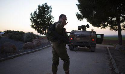 Um militar israelense no norte de Gaza neste 24 de dezembro.