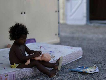 Criança no abrigo para venezuelanos da ACNUR, em Boa Vista.