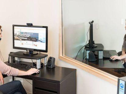 Laboratório em que uma empresa da Internet analisa o comportamento de um cliente em um site.