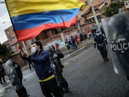 Protesto contra a brutalidade policial durante a paralisação nacional, em 1º de maio.