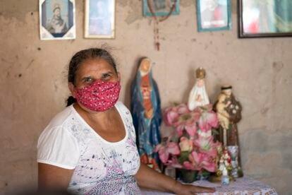 Maria de Fátima vive com 250 reais por mês em Juazeiro do Norte.