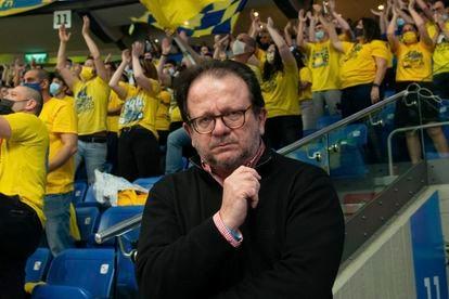Juan Carlos Sanz, correspondente do EL PAÍS em Israel, na Menora Mivtachim Arena, em Tel Aviv, em 30 de março.