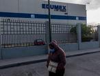 Trabajadoras de la maquila EDUMEX durante un paro de labores el d'a 20 de abril de 2020 En Ciudad Ju‡rez, Chihuahua. MŽxico.  Las maquinadoras en esta ciudad fronteriza no ha detenido sus actividades, lo cual las ubica como un gran foco de contagios ante la emergencia de la COVID-19