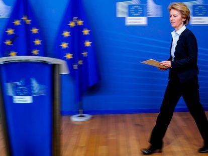 A presidente da Comissão Europeia, Ursula von der Leyen, na terça-feira, no início de uma entrevista coletiva na sede do Executivo comunitário, em Bruxelas.