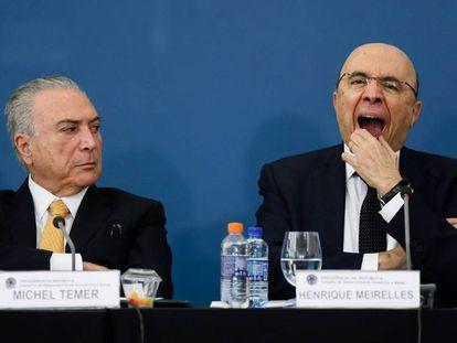 Temer e o ministro Meirelles, na reunião do Conselhão.