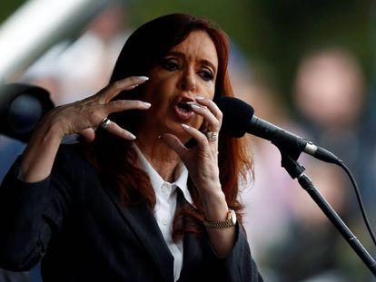Cristina Kirchner discursa no Tribunal dia 13 de abril.