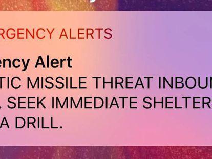 Captura do alerta para celulares recebido no Havaí no sábado pela manhã.