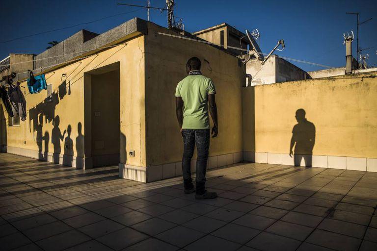 O nigeriano Ammar, de 17 anos, morou dois meses num centro de acolhida controlado pela 'Ndrangheta na Calábria.