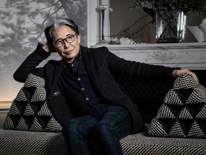 Kenzo Takada, em sua casa em Paris em 2019