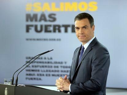 O primeiro-ministro espanhol, Pedro Sánchez, neste domingo no palácio de La Moncloa, após a teleconferência com os presidentes regionais.