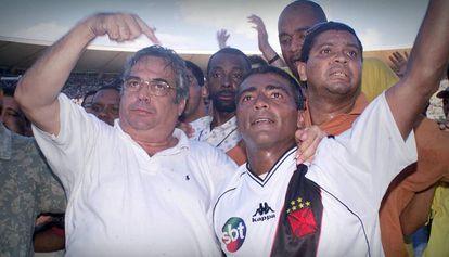 Eurico ao lado de Romário, em 2001.