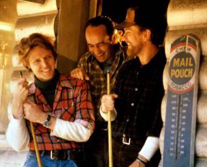 Christopher Walken, John Cazale e Robert De Niro durante a filmagem de 'O Franco Atirador' (1978). Cordon