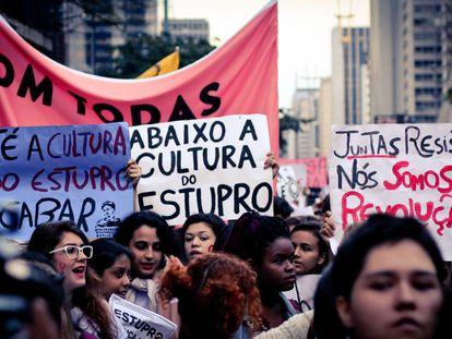 #EleNão: Após tomar as redes, movimento liderado por mulheres contra Bolsonaro testa força nas ruas