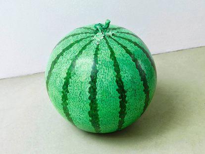 'Watermelon' (2006), uma melancia de porcelana chinesa.