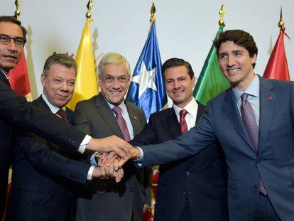 Vizcarra, Santos, Piñera, Peña Nieto e Trudeau, em abril.