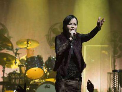 A cantora morreu de maneira repentina aos 46 anos, de acordo com a televisão irlandesa