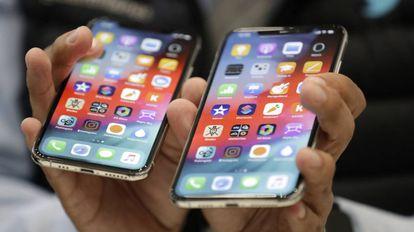 O iPhone XS, à esquerda, e o XS Max, depois de apresentados