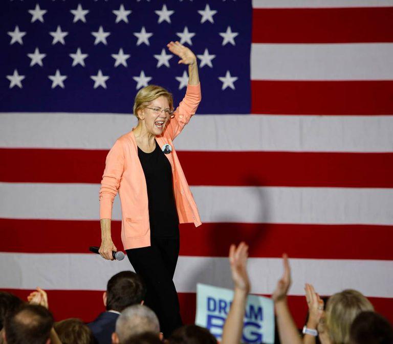 Elizabeth Warren, quinta-feira passada, em Raleigh (Carolina do Norte).
