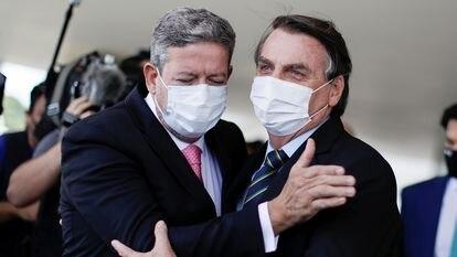 Arthur Lira e Jair Bolsonaro em 25 de março, no Planalto.