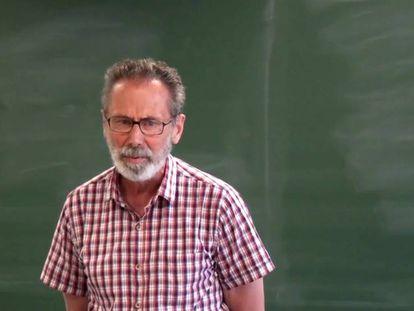 O matemático francês Yves Meyer, durante uma palestra