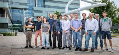 Integrantes de um projeto de pesquisa da Universidade Técnica de Eindhoven, onde figura apenas uma mulher.