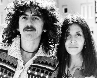 George e Olivia Arias (Harrison, quando casada) em 1977, numa foto feita por Michael Simon.