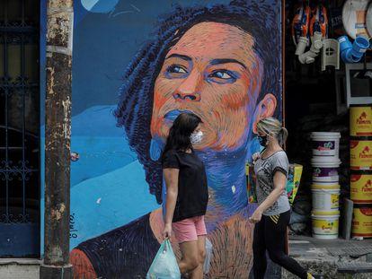 Um grafite de Marielle Franco em uma rua do Rio no mês passado.