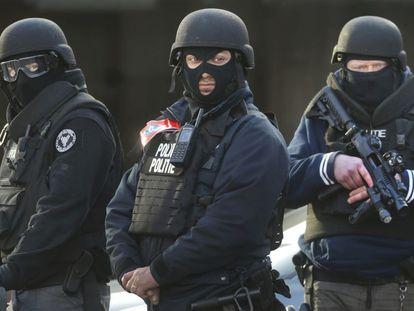 Operação policial em Bruxelas depois dos atentados do 22 de março.
