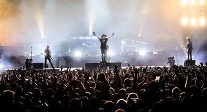 Guns N' Roses em seu show no México.