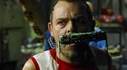Matheus Nachtergaele em cena do filme 'Carro rei'.