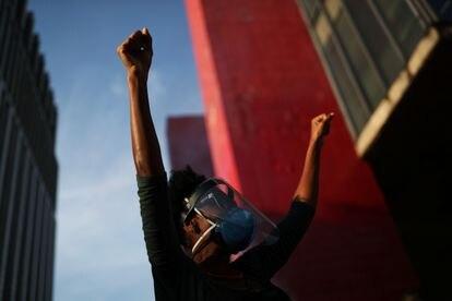Manifestante participa dos atos contra o Governo Bolsonaro em frente ao MASP, em São Paulo, no último sábado, 29 de maio.