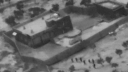 Captura de vídeo que mostra o ataque de forças especiais dos EUA à casa de Al Bagdadi, em 26 de outubro.