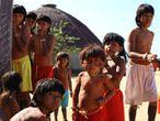 Crianças indígenas do Vale do Araguaia, no Mato Grosso.