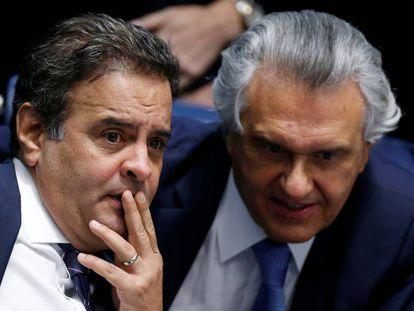 Aécio Neves e Ronaldo Caiado nesta quinta-feira, no Senado.