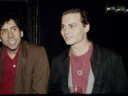 O diretor Tim Burton e seu ator fetiche, Johnny Depp, durante a estreia de 'Pesadelo antes de Natal' em 1993.