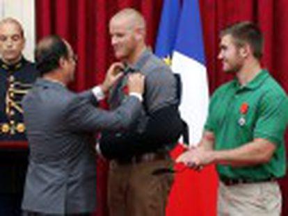 A França outorga seu maior reconhecimento aos passageiros que dominaram Ayoub El Khazzani