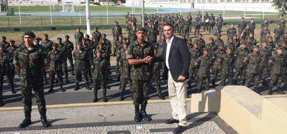 Bolsonaro na Fortaleza de São João, no Rio.